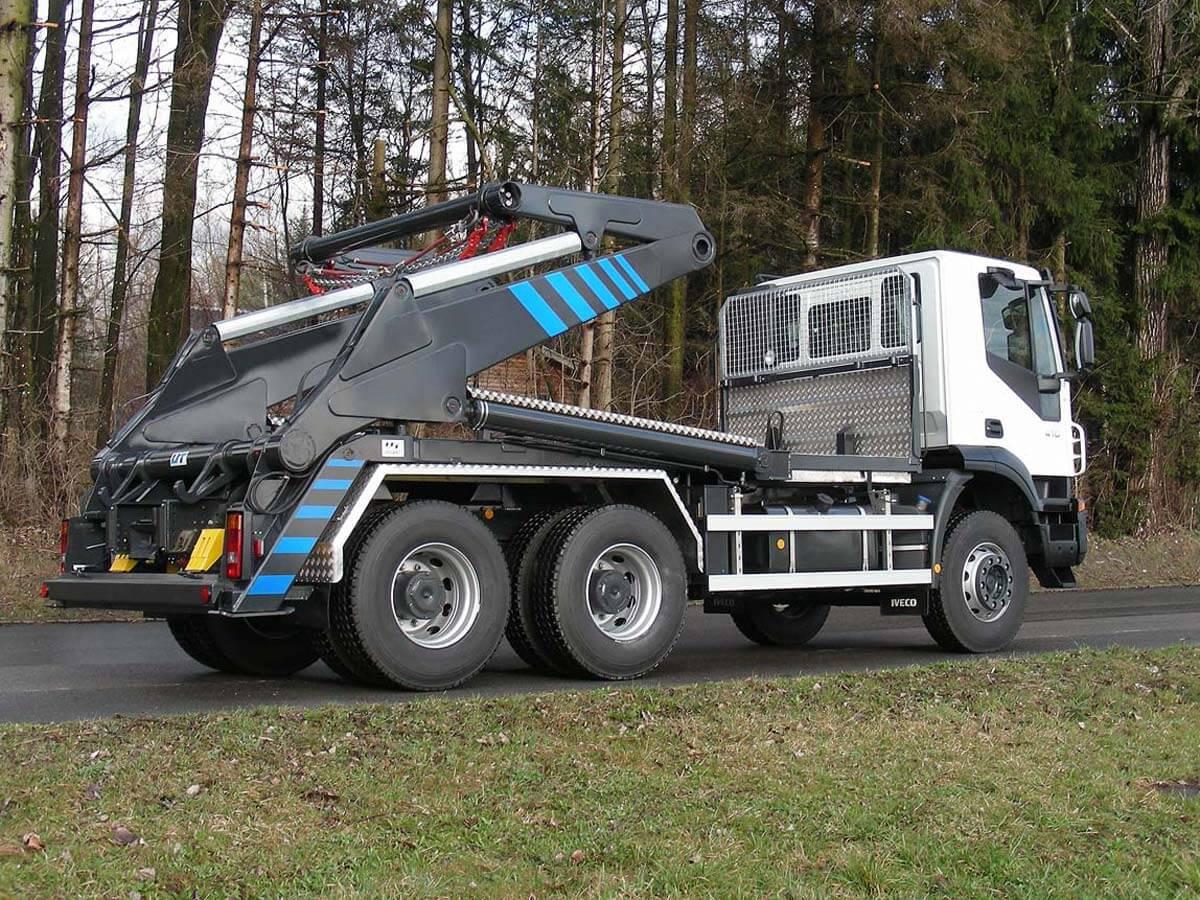 Knickarm-Absetzkipper GIGANT 26K Comfort – Iveco
