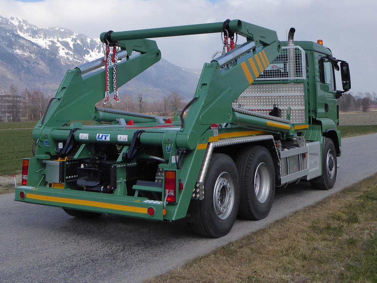 Knickarm-Absetzkipper GIGANT 26K Comfort - MAN