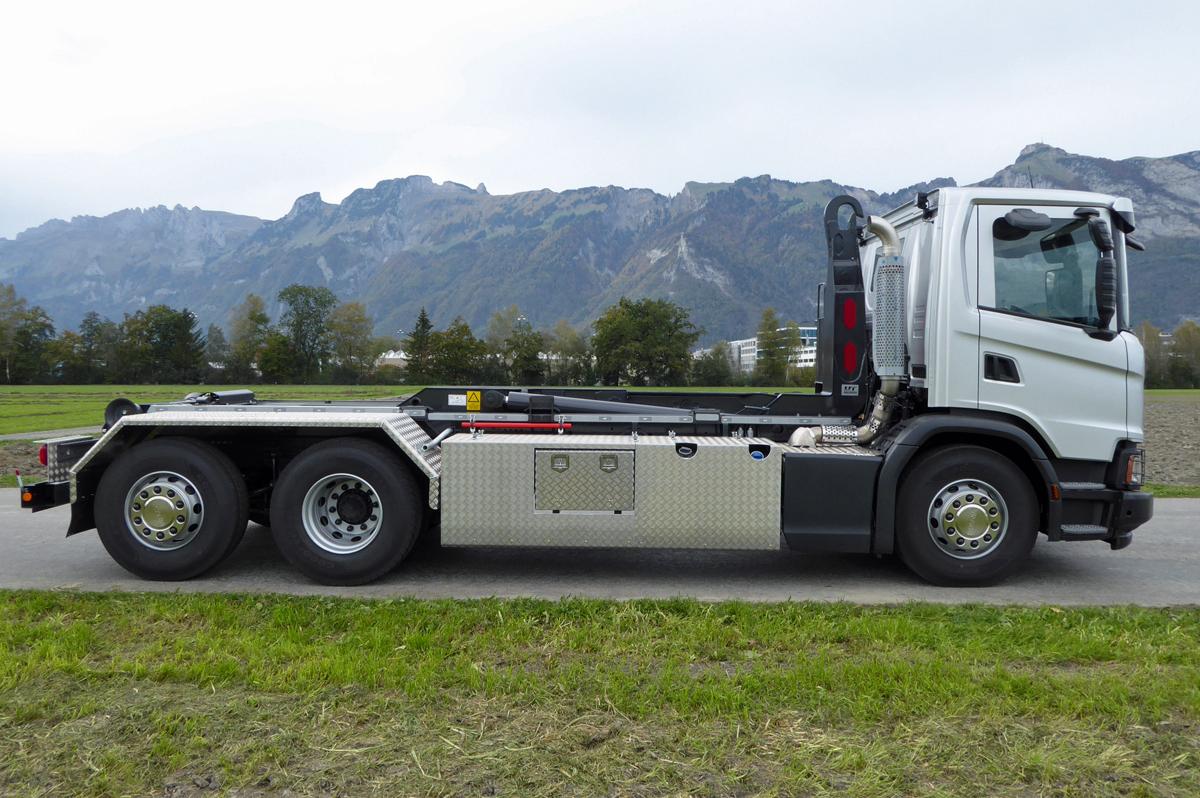 Haken-Abrollkipper SAURIER 3-Achser 20TR70 Varitec - Scania