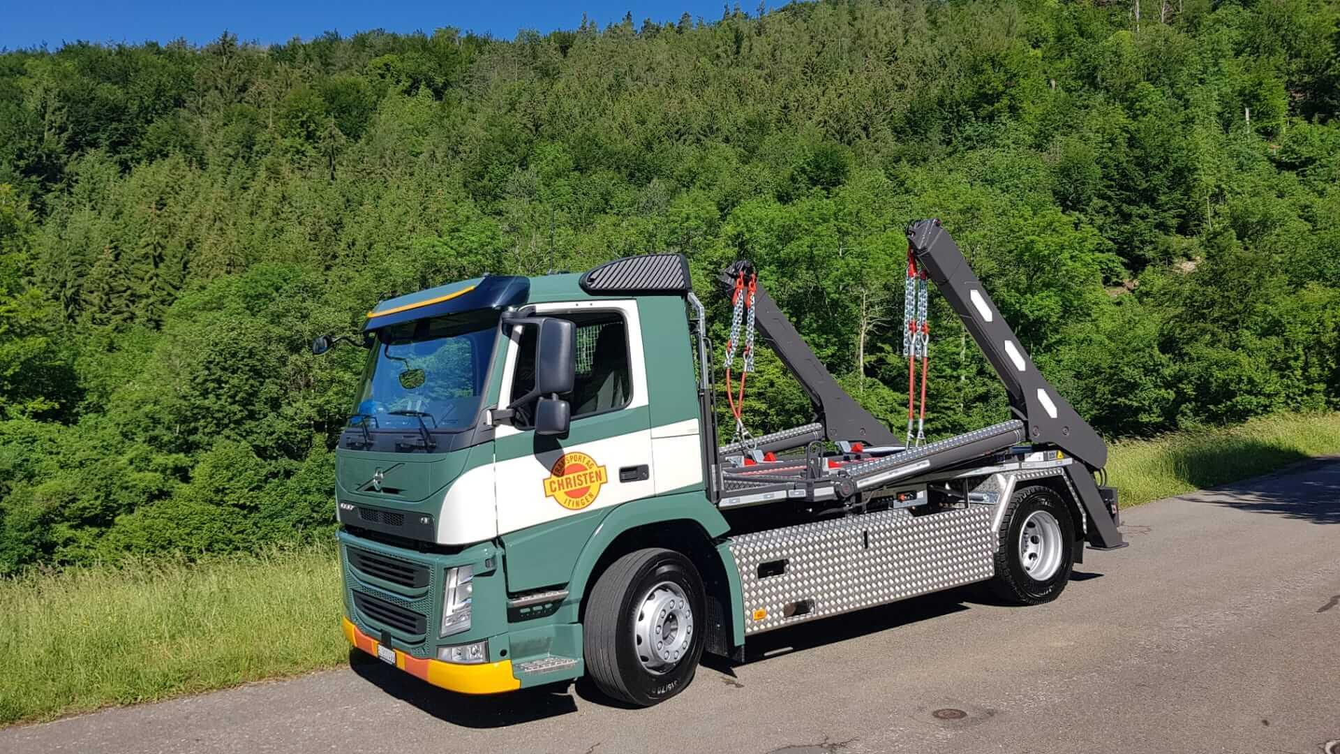 Realisierter Absetzkipper GIGANT 18T Comfort der Christen Transport AG