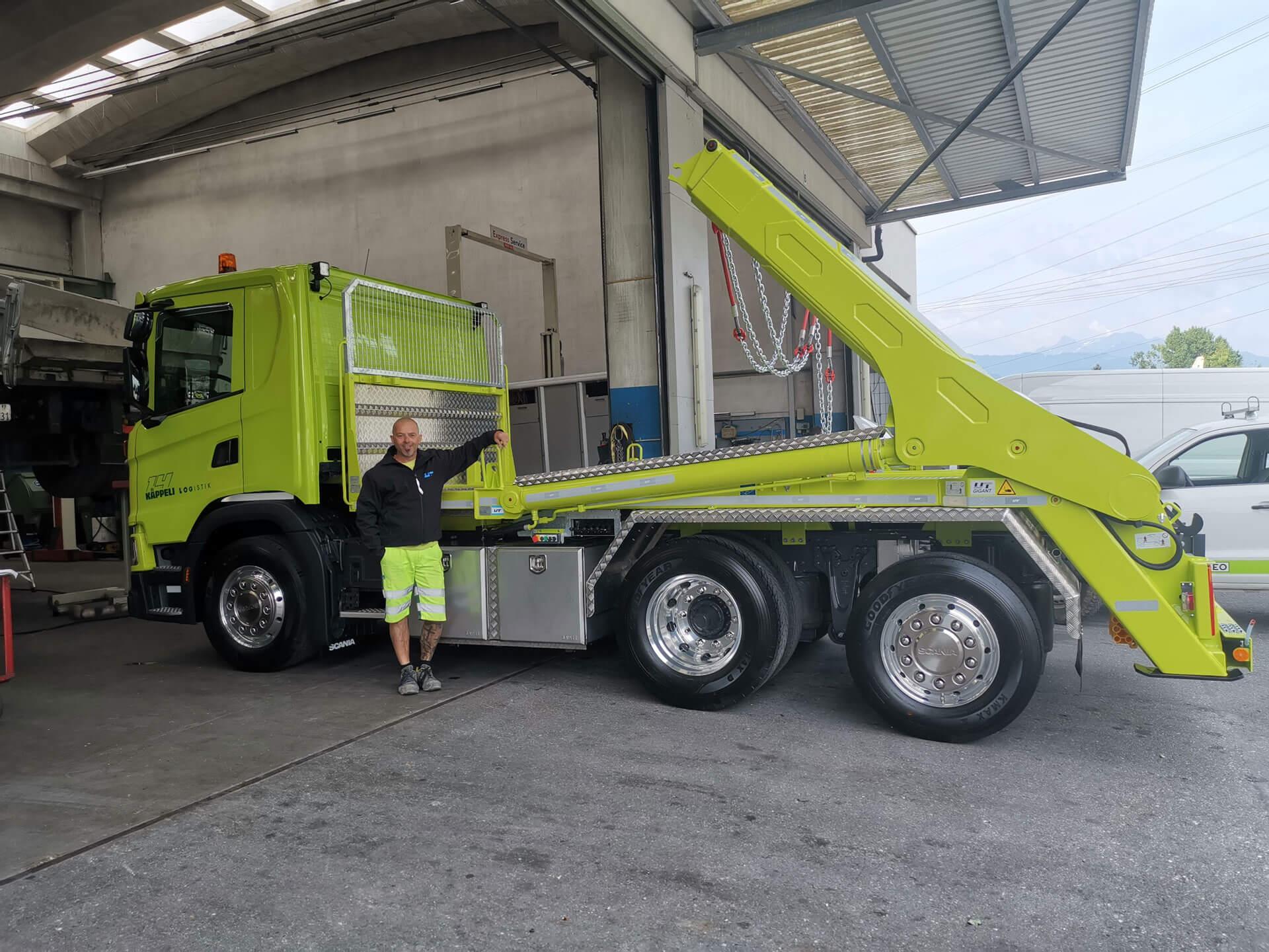 Realisierter Absetzkipper Gigant 26T der Käppeli Logistik AG