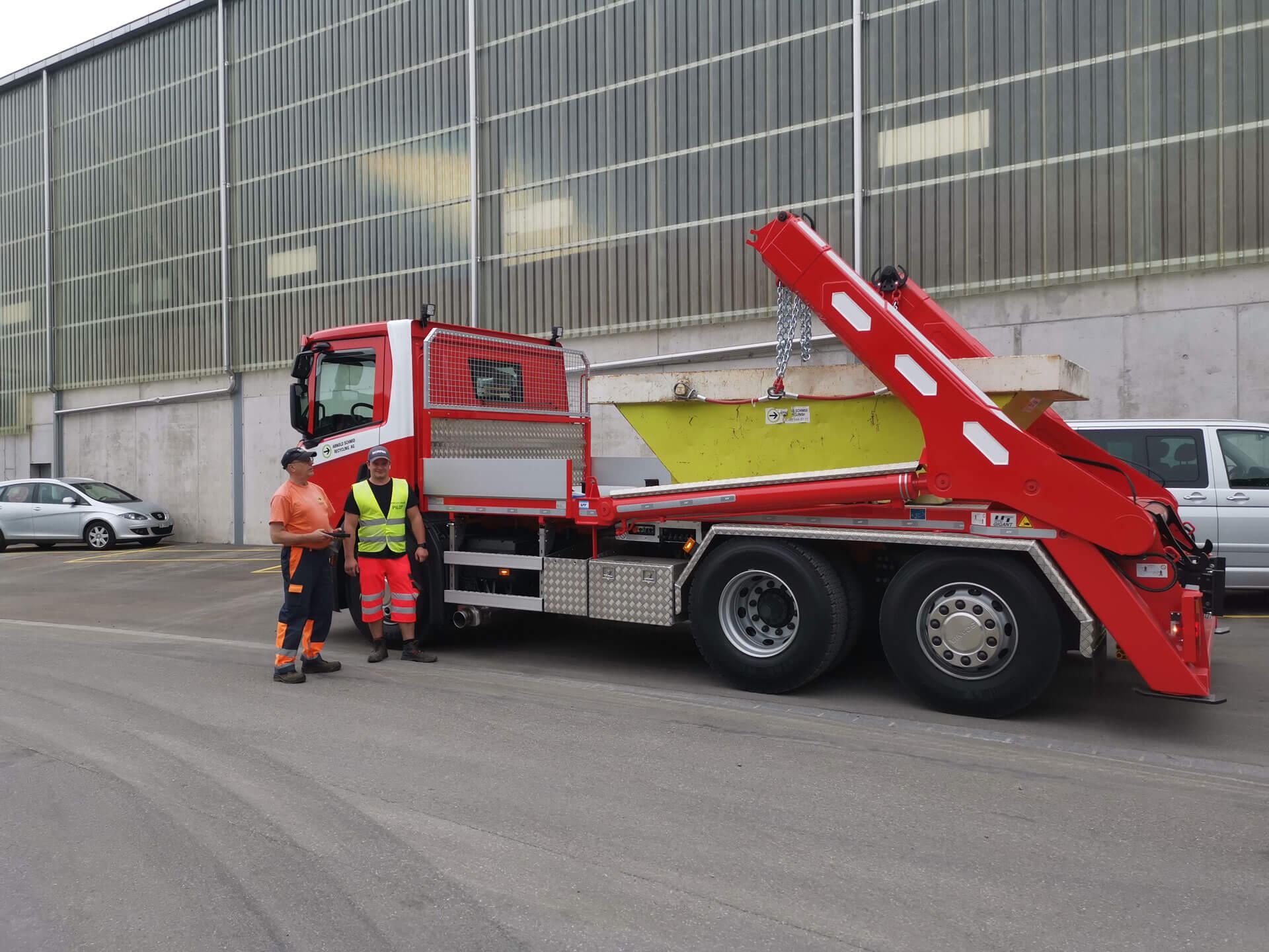Realisierter Absetzkipper Gigant 26T der Schmid Recycling AG