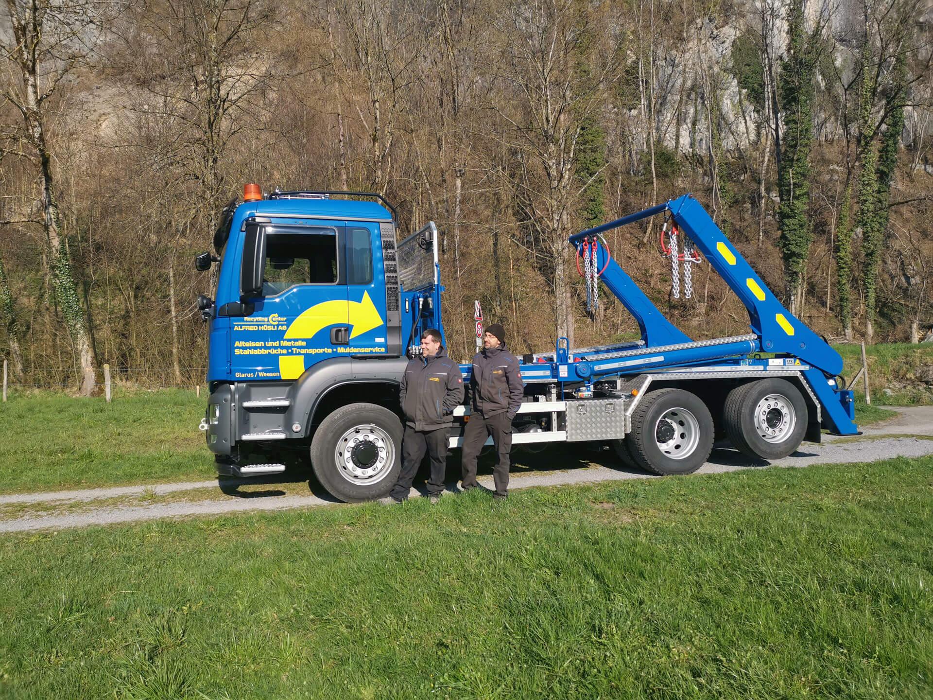 Welaki: Realisierter Absetzkipper GIGANT 26T der Hösli AG