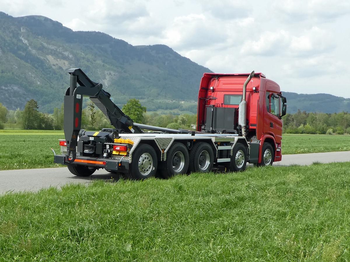 Welaki: Haken-Abrollkipper SAURIER 5-Achser 32TR80 Varitec - Scania