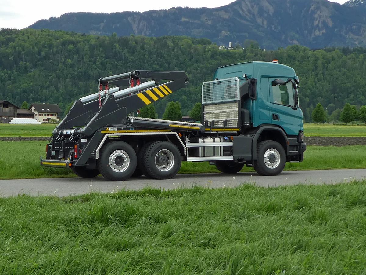 Welaki: Knickarm-Absetzkipper GIGANT 26K Comfort - Scania