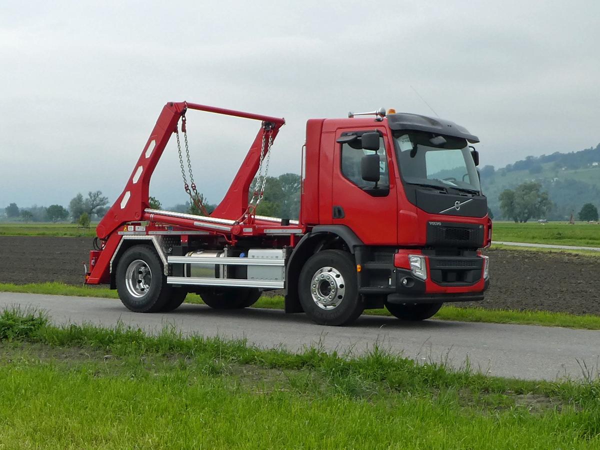 Welaki: Teleskop-Absetzkipper GIGANT 16T Comfort -Volvo