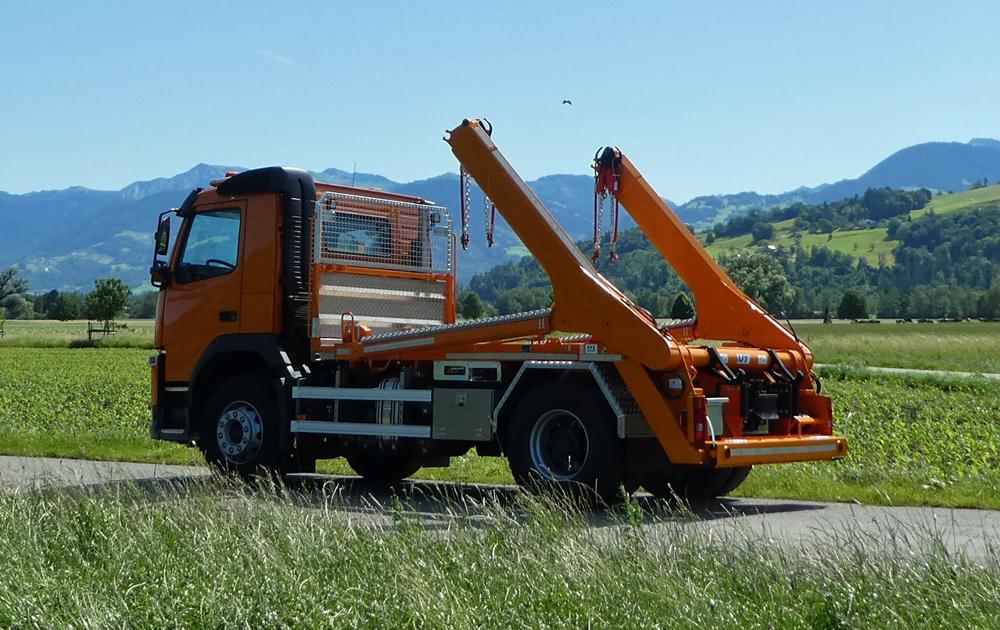 Welaki: Teleskop-Absetzkipper GIGANT 18T Comfort -Volvo