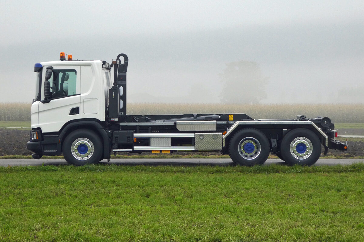 Haken-Abrollkipper SAURIER 3-Achser 20TR65 Varitec - Scania
