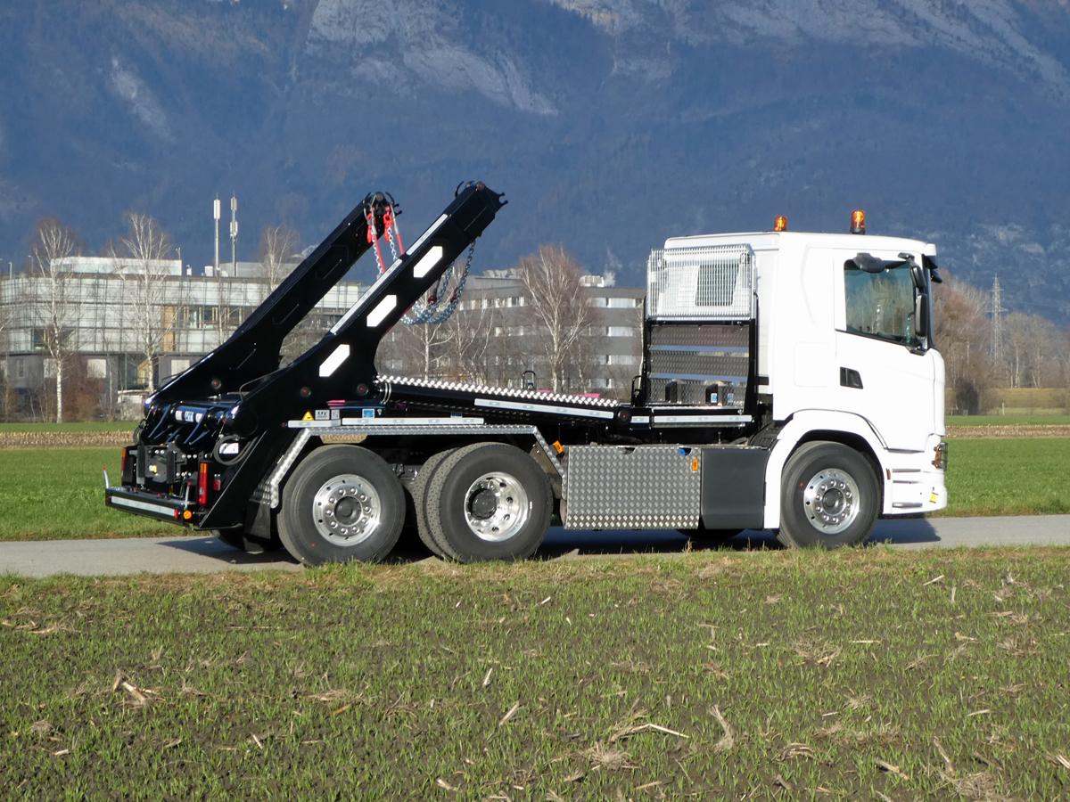 Teleskop-Absetzkipper GIGANT 26T Comfort -Scania
