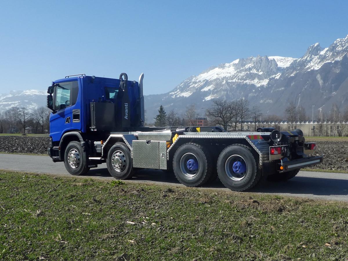 Haken-Abrollkipper SAURIER 4-Achser 26TR65 Avanti - Scania