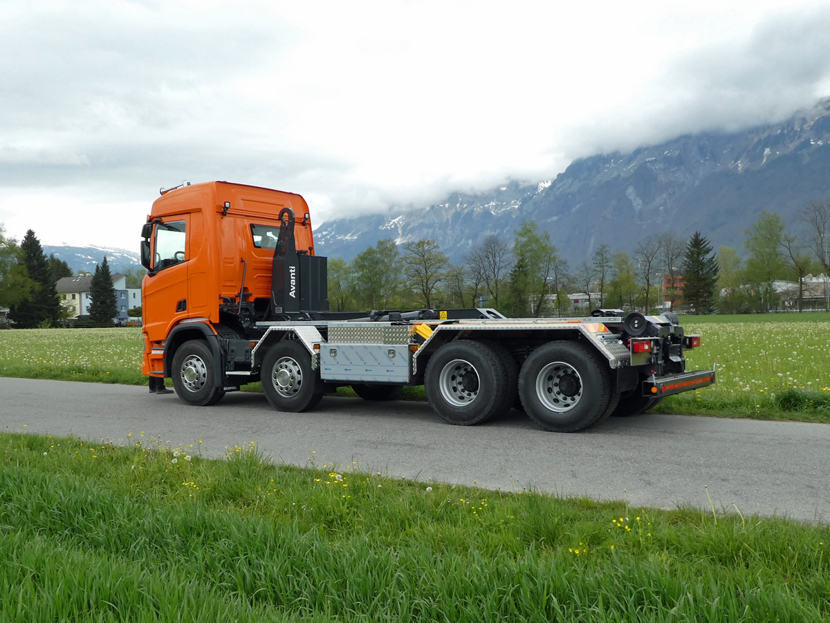 Haken-Abrollkipper SAURIER 4-Achser 26TR75 Avanti - Scania